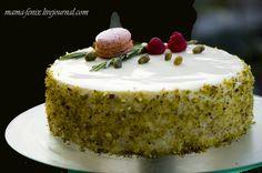 """Так назвала этот торт моя дочь. На самом деле, она угадала - именно """"весенний лесной"""" вкус я и старалась передать. Игру цвета, вкуса, запаха и текстуры. Вообще, делая…"""