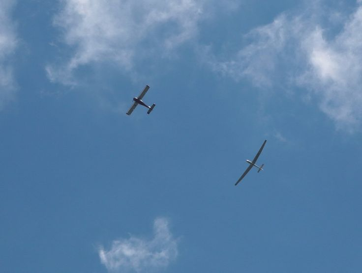 ТЕХ. ХАРАКТЕРИСТИКА Twin II Acro:  • Экипаж: два пилота, • Длина: 8,18 м, • Размах крыльев: 17,50 м , • Высота: 1,55 м, • Площадь крыла: 17,8 м 2,• Удлинение крыла: 17.1,• Вес пустого: 390 кг,• Полезная нагрузка: 212 кг,• Взлетный вес: 580 кг,• Конструкция из стеклопластика и углепластика
