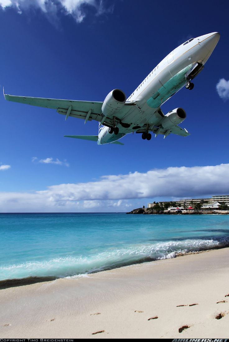 Boeing 737-7V3 aircraft picture