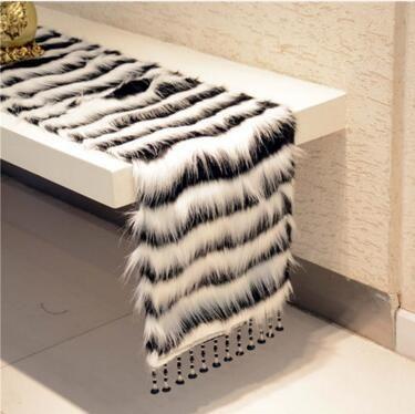 Новый Европейский моды роскошь плюша белый черный двухцветный стол бегун Стол коврик Бегун Декабря Дома, используя FG74