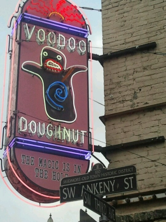 things to do in portland- VooDoo Doughnut