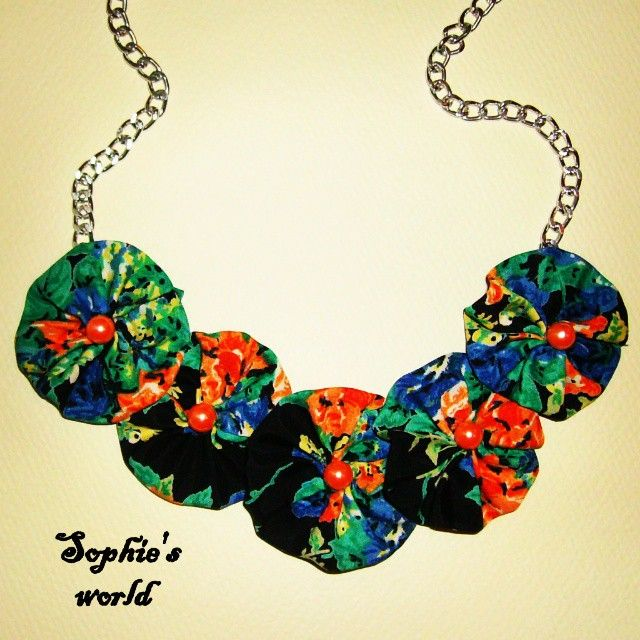 Hawaiian flowers handmade necklace, fabric summer unique floral Κολιε με χειροποιητα υφασματινα λουλουδια!  Στολιστε τον λαιμο σας με την  floral hot ταση !!!