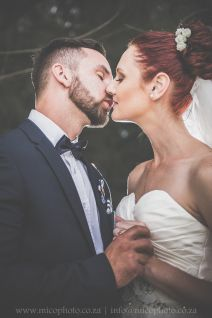 Lavandou Wedding | Kissing as husband and wife