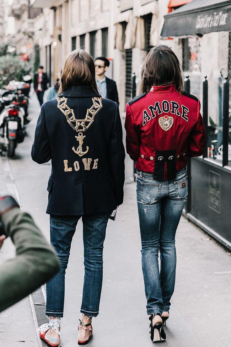 No importará el idioma, pero sí el mensaje y el medio en el que se transmite. Sí, el amor está en las espaldas de las chaquetas.