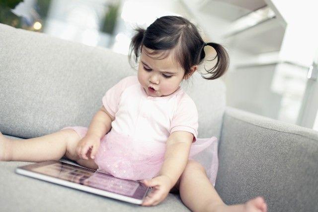 Jak nowe technologie wpływają na rozwój dzieci?