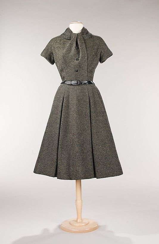 """""""Virevolte"""" House of Dior (French, founded 1947) Designer: Christian Dior (French, Granville 1905–1957 Montecatini) Date: fall/winter 1955 Culture: French Medium: wool"""