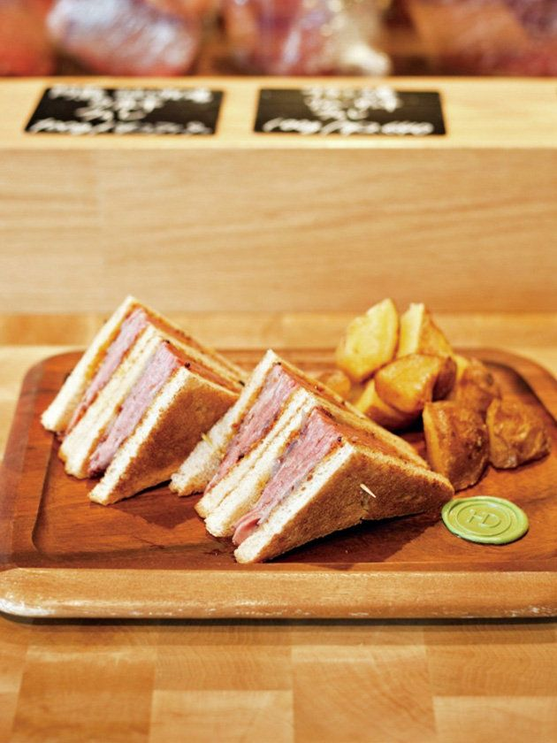 【ELLE a table】ユーゴ デノワイエ 恵比寿店|最旬トースト&サンドイッチを食べに行こう|エル・オンライン