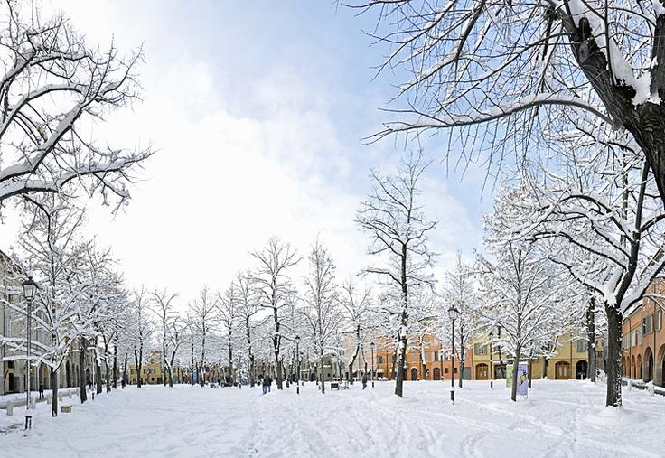 Neve in Città - Reggio Emilia, Italia - 19 Dicembre 2009 Piazza Fontanesi with snow