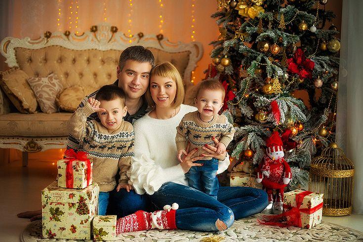 Новогодняя семейная фотосессия в Like studio