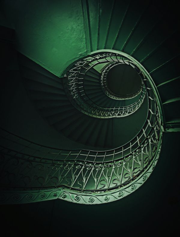 spiral staircaseGreen Stairs, Spirals Staircases, Green Interiors, Emeralds Green, Colors, Green Staircas, Spiral Staircases, Stairways, Green Spirals