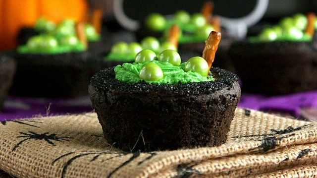 17 Witchy Ways To Cast A Delicious Spell At Your Halloween Party  - Delish.com