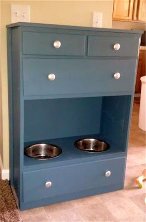 DIY Dog Feeding Station Ideas Your Pet Will Like >>  ❤ See more: http://fallinpets.com/diy-dog-feeding-station-ideas-pet-will-like/ ❤ See more: http://fallinpets.com/diy-dog-feeding-station-ideas-pet-will-like/