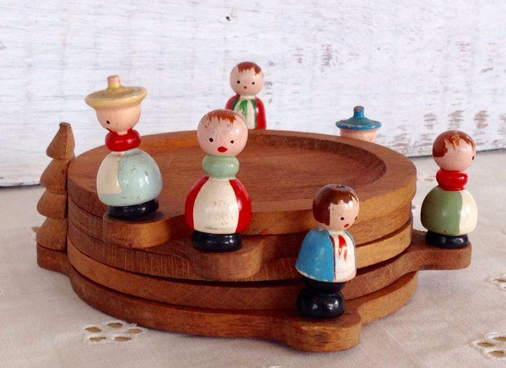 Charming set of 5 Midcentury wooden Christmas coasters at featherednest57 on Etsy