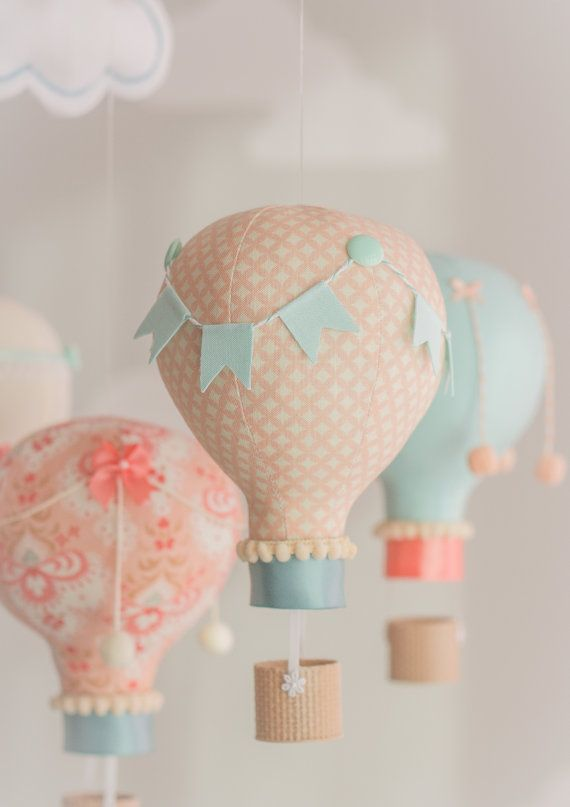 Aqua y Coral bebé móvil móvil de globo de aire por sunshineandvodka