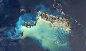 Η NASA καταγράφει το πριν και το μετά από το φονικό πέρασμα της Ίρμα (pics)   Το πριν και το μετά από το πέρασμα του τυφώνα Ίρμα στα νησιά Τερκς και Κέικος στην Καραϊβική κατέγραψε η NASA.  from Ροή http://ift.tt/2gXxkGl Ροή