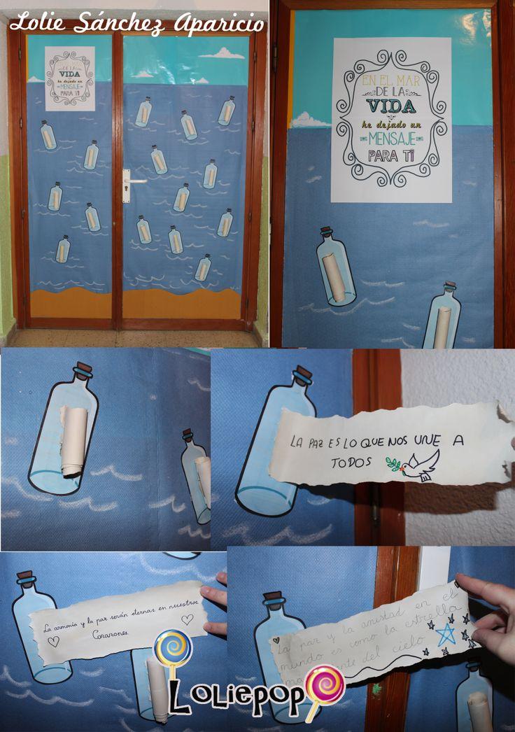une bouteille devant la classe pour les messages aux parents