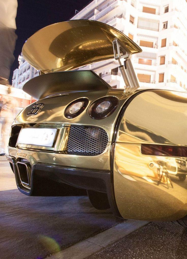 Bugatti Veyron - Instagram: @AurumForHer
