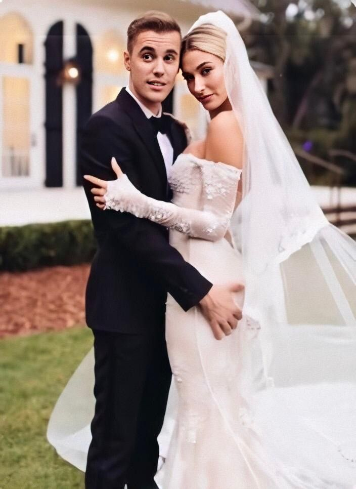 Justin Hailey Bieber Wedding In 2020 Hailey Bieber Wedding Classy Wedding Wedding Dresses