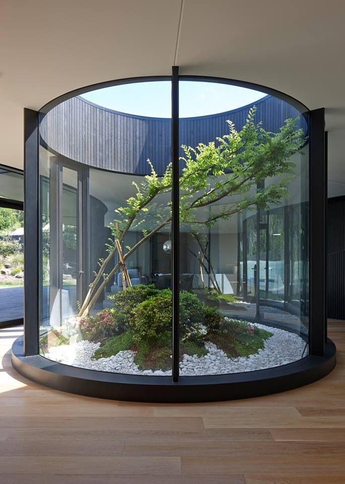 Jardim interior - andar superior da casa no hall das escadas