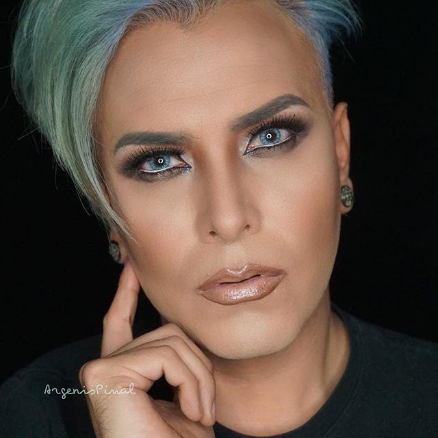 Mehron Makeup Paradise Makeup AQ ProPalette  12 Colors