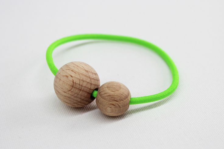 Armband NEON, GRÜN von melamei auf DaWanda.com