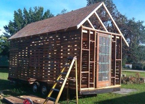 Постройки из поддонов для дачи - забор, дом, беседка, сарай, курятник