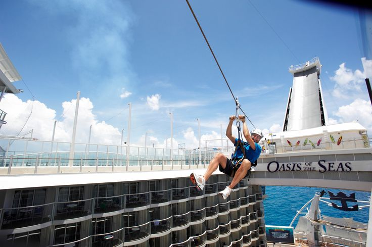 Tyrolienne sur l'Oasis of the Seas #RoyalCaribbean #Cruises #Croisiere #Navire #RCI #Voyage #Tourisme #WOW #Tyrolienne
