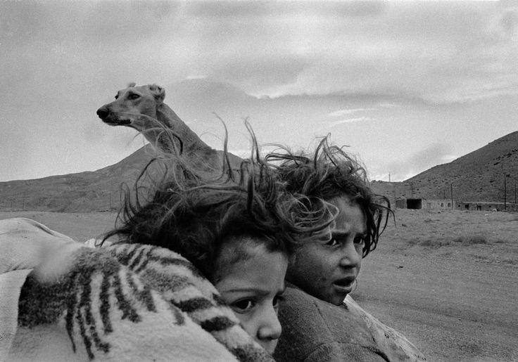 Nikos Economopoulos. Kars village. Nomads. Turkey. 1990.