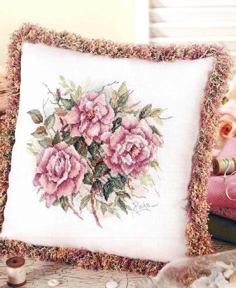 Схема вышивки роз для подушки.