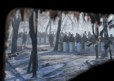 Nobla temu, kto wynegocjuje pokój na Kijowie