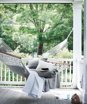 nice!!!!!Decor, Hammocks On Porches, Ideas, Porches Hammocks, Dreams, Outdoor, Gardens, Hammocks On Patios, Front Porches