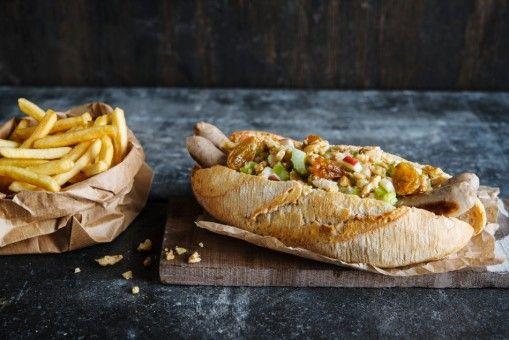 Hot Dog mit Waldorfsalat