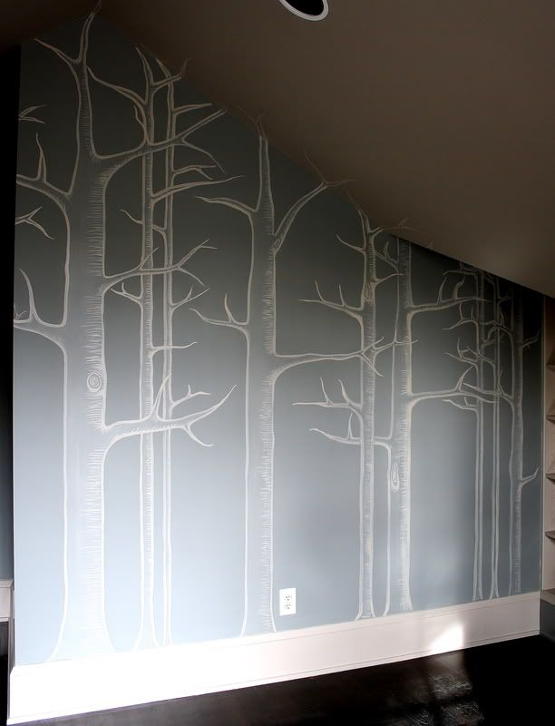 Handpainted wall by Kristin F. Davis Must try this. Hand painting would certainly be cheaper than the £20 a roll wallpaper that I've seen of a similar design!