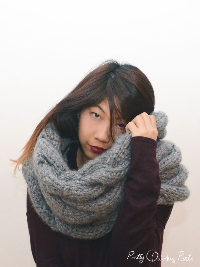 Make your own cable scarf (infinity is your choice) with this free pattern fr...
