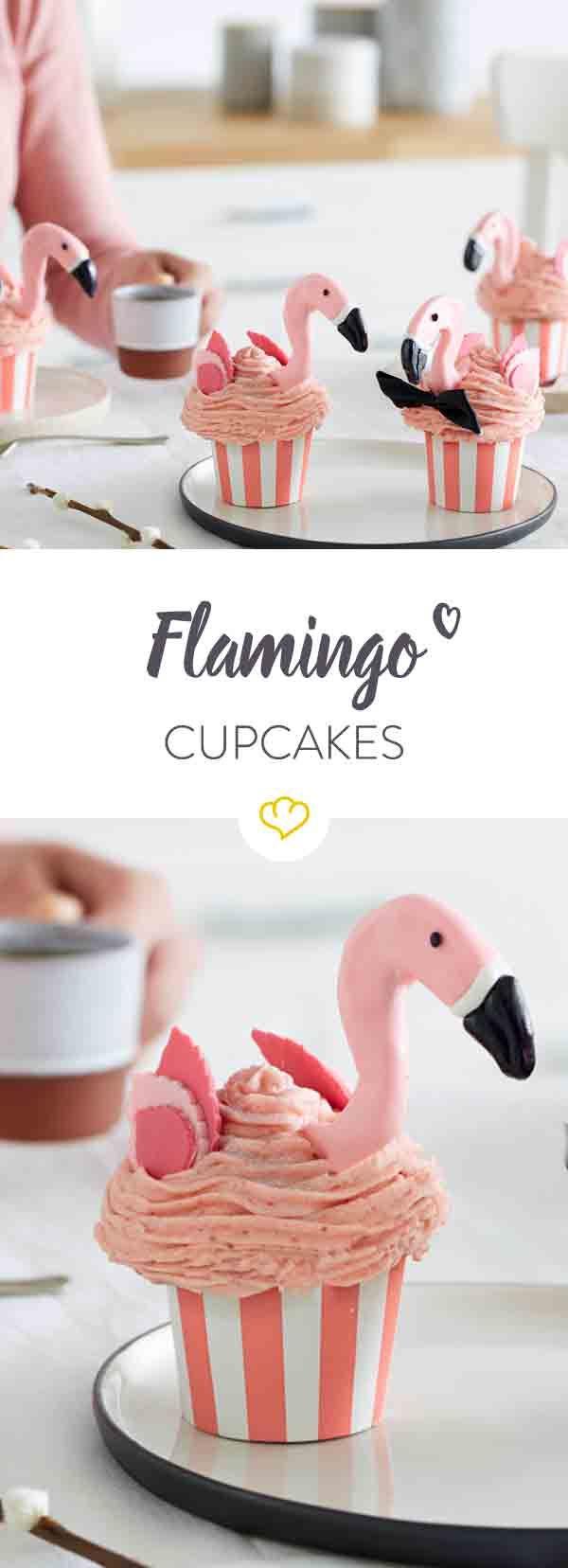 Think pink: Diese zuckersüßen Flamingo-Cupcakes mit Erdbeer-Frosting sind die heimlichen Stars deiner nächsten Party im Tropen-Look.