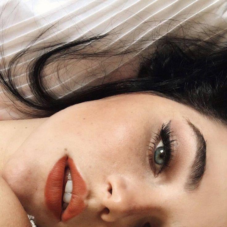 ☺ Mia Alves ♎ @miaalvesc