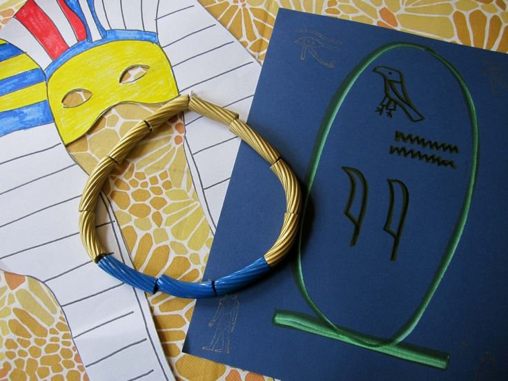 """lapis"" and ""gold"" egyptian necklace craft - with spray-painted pasta"
