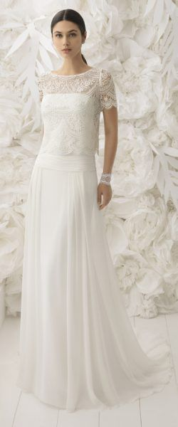 gefunden bei Happy Brautmoden Brautkleid elegant, elegantes Brautkleid, Rosa Clara, Spitze, Spitzenkleid, edel, elegant, fließend, Rückenausschnitt, Hochzeitskleid, Vintage