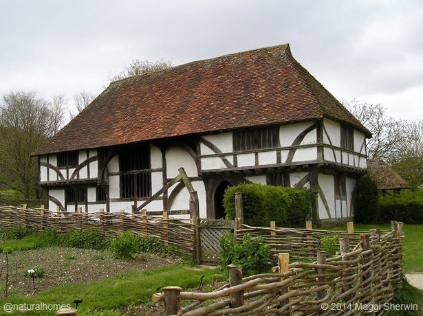 This impressive oak and wattle & daub house and kitchen gardens is Bayleaf Farm, an early Tudor Wealden House from Chiddingstone, Kent, England. More, including video, at www.naturalhomes.org/bayleaf-farm.htm