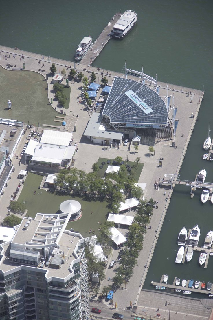 Harbourfront Centre from above the top of the CN Tower / Le Centre Harbourfront, vu d'en haut!