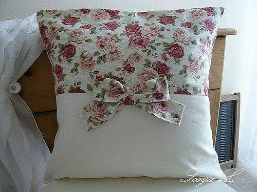 Polštářek s mašlí~anglické růže