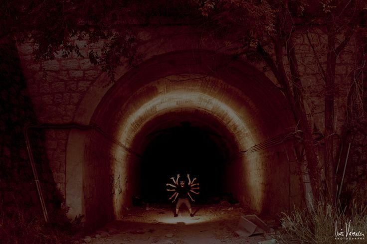 https://flic.kr/p/LS6sCn | Mutante | 9/52. Cueva.  www.inesvalencia.com