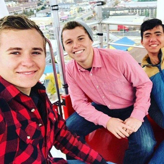 Jed, Jer, and Elijah hanging out in Branson Ferris Wheel✨💗🎡#jedidiahduggar#jeremiahduggar#19kids#duggars#countingon#19kidsandcounting#19kidsandblessing