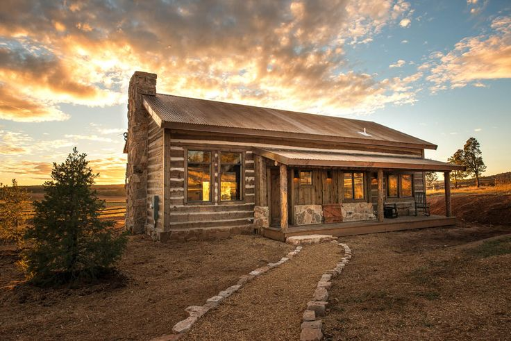 Private cabins in the east mountains of Zion National Park.  Large, luxurious Lodgeswith plenty of space for the whole party.   For assistance in choosing a cabin or lodge style: Please call 1-866-648-2555