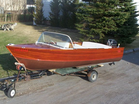 3003 best boats images on pinterest vintage boats power for Runabout boats with outboard motors
