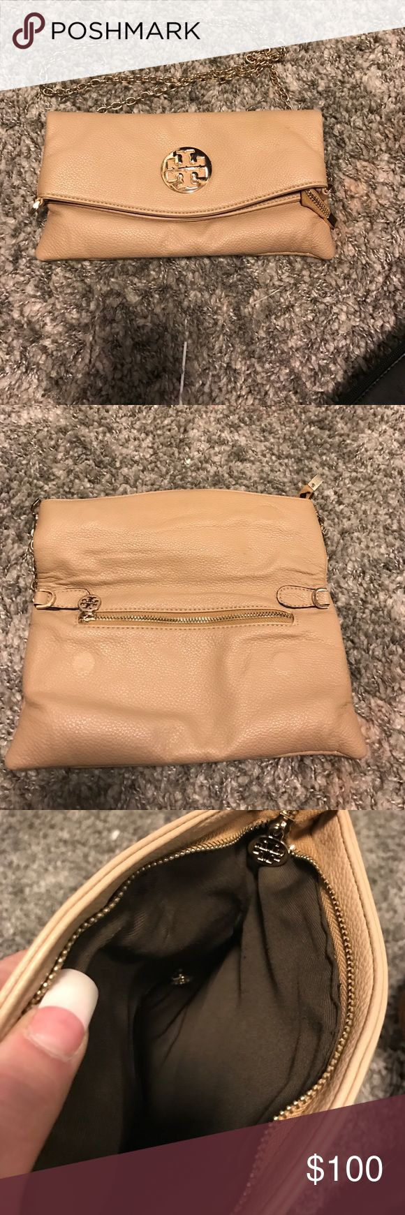 Tory Burch beige clutch Tory Burch beige clutch Tory Burch Bags Clutches & Wristlets