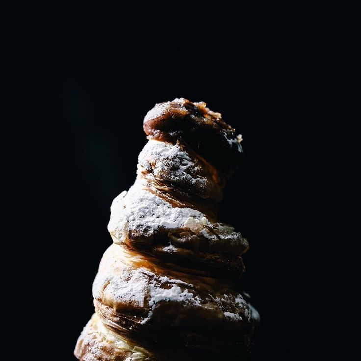 "[GONTRAN CHERRIER] Jiyugaoka Tokyo. ""Mont blanc"" of viennoiserie. It is made of croissant. . 東京 自由が丘 [ゴントラン シェリエ] 名物のクロワッサン生地で作られたパン屋さんの""モンブラン"" . #igersjp #instagramjapan #instafood #instagood #instafoodie #foodart #foodstagram #beautifulcuisines #feedfeed #f52grams #vsco #foodvsco #food #lovefood #sweets #snack #dessert #bread #viennoiserie #croissant #gontrancherrier #デリスタグラマー #デザート #スイーツ #お菓子 #パン #モンブラン #ゴントランシェリエ"