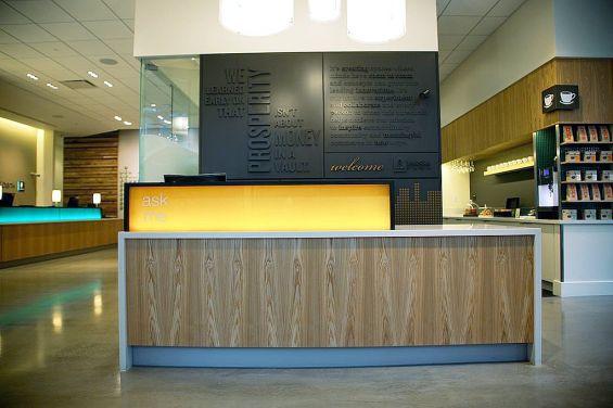 umpqua bank branch concierge desk