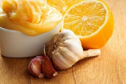 Лимон и чеснок - это уникальные натуральные компоненты, которые позволяют быстро и эффективно очистить сосуды. Но так ли это узнайте в нашей статье.
