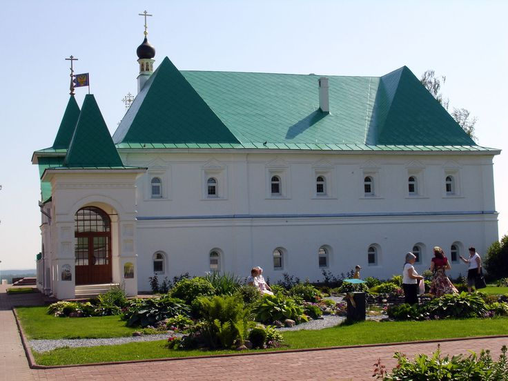 Настоятельский корпус 1687 г.;